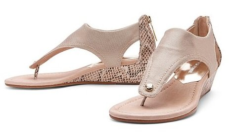 Naples Women's Shoe Stores, Shoe stores in Naples, Women Shoe store Naples, Naples Shoe boutiques, Naples Boutiques, Women's gifts in Naples, Naples Fine shoe stores, Naples designer shoes, Naples FL Designer Shoes