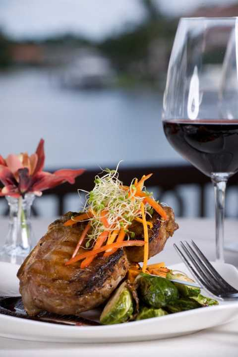 Naples waterfront fine dining, Naples Fl Waterfront restaurants, Naples Steak Restaurants, Naples Seafood Restaurant, Restaurants in Naples Fl, Five star Restaurants in Naples, Naples Fine Restaurants, Maxwell's Restaurant, Maxwell's Naples Restaurant, Fish restaurant Naples Florida