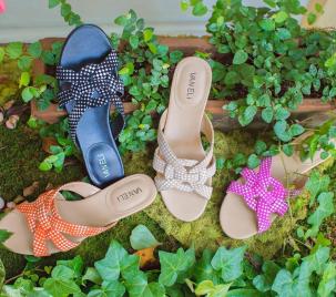 Pratt's Shoe Salon at The Village Shops on Venetian Bay, Naples Florida Shopping