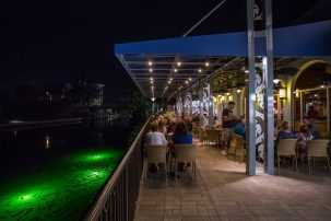 The Village Pub, Waterfront Dining, Naples Dining, Seafood, Venetian Bay views, waterfront views